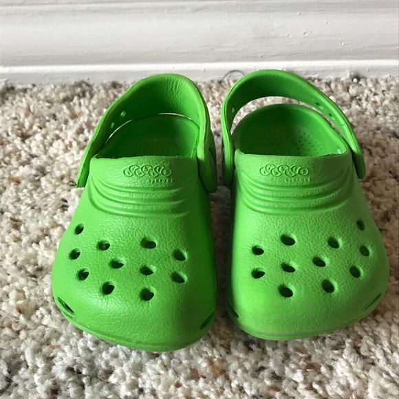 96bd48ec4a496b CROCS Other - ⭐ Boys Green Crocs Shoes Sandals Clogs Slip On